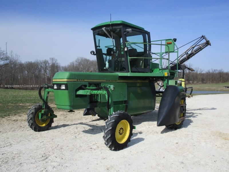 John Deere 6500 Self Propelled Sprayer